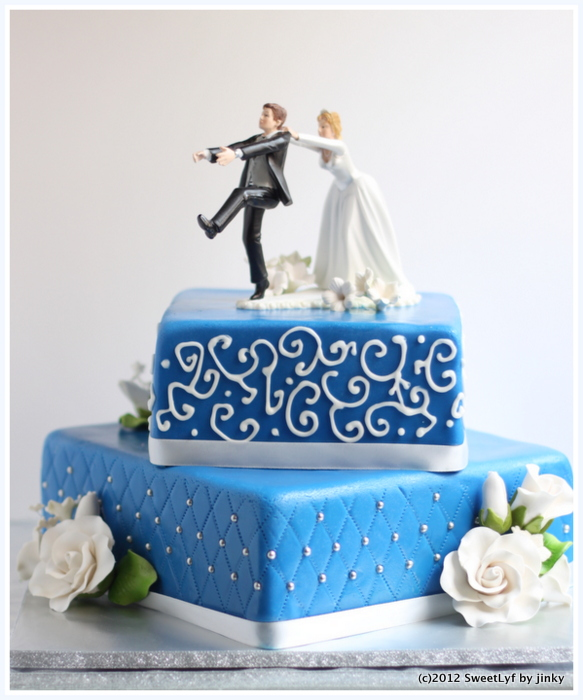 Royal_Blue_Wedding_Cake-002